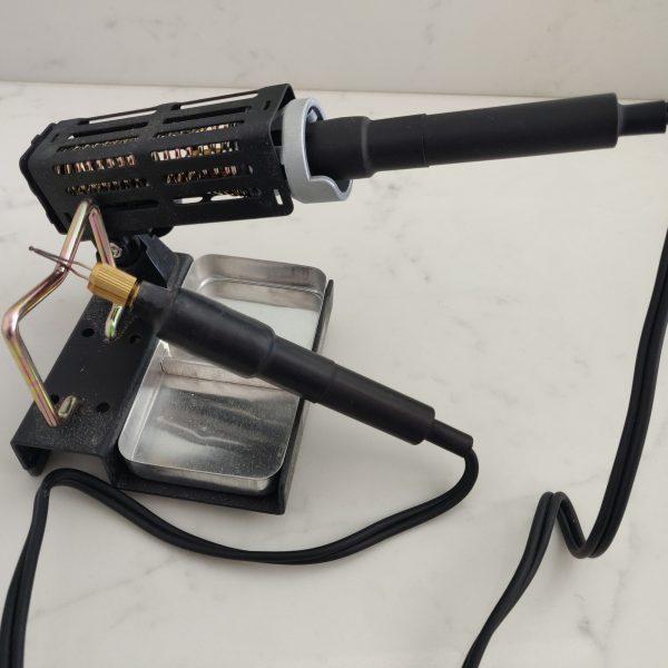 TRUArt metal holder